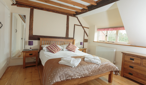 Double ensuite at this New Forest Self Catering Cottage
